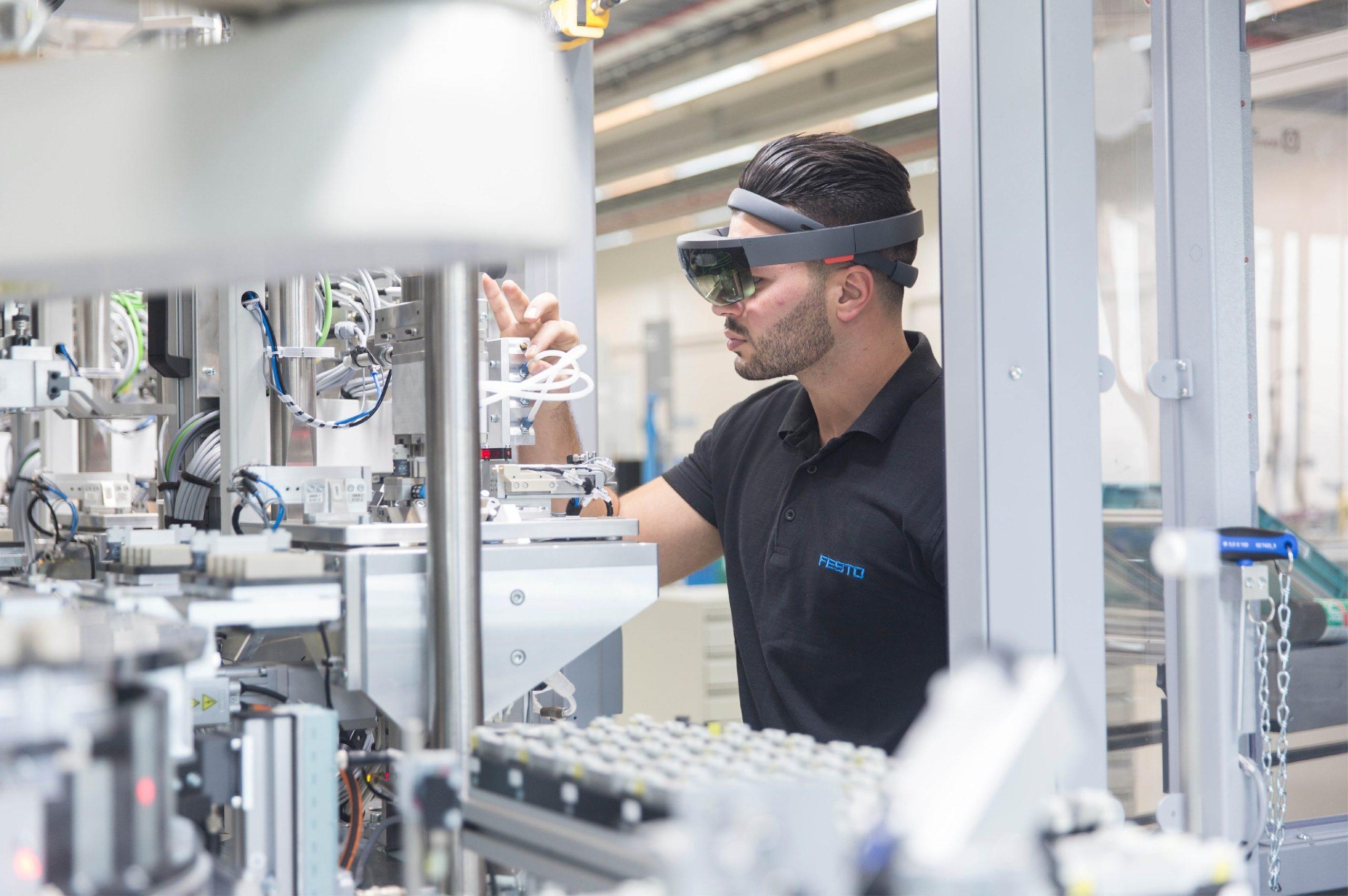 Wearables & Virtuelle Techniken: Projekt GeZu 4.0 veröffentlicht Bericht über die Auswirkungen auf den Arbeitsplatz der Zukunft